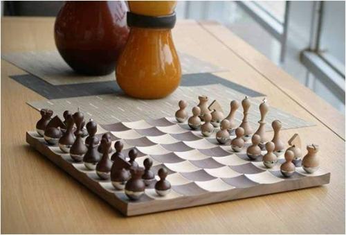 worclip-wobble-chess-by-adin-mumma-the